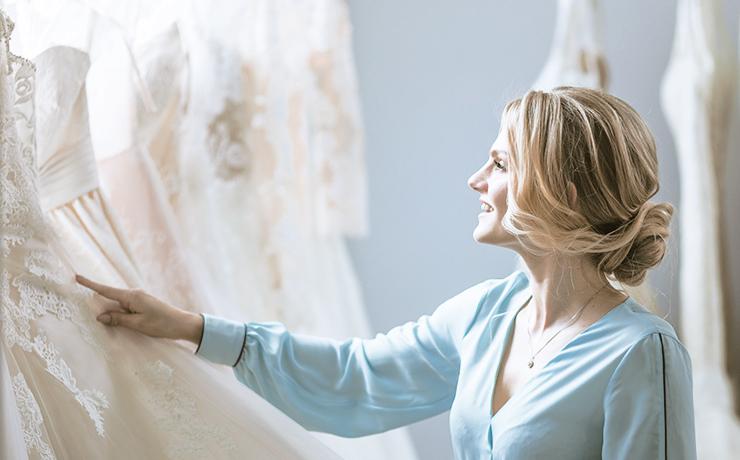 5ba14ec2f8f Custo X Benefícios de se comprar vestidos de grife - Luna Moda Festa